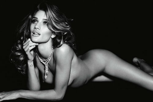 rosie-huntington-whiteley-nuda-05.jpg